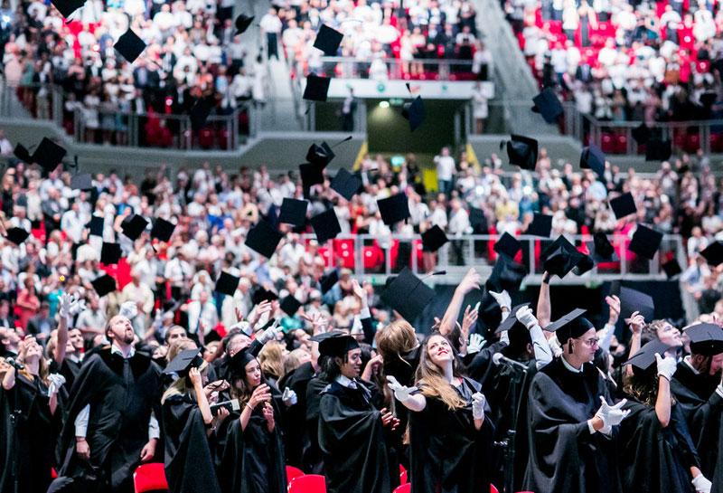 Universidad de Semmelweis celebra la ceremonia de graduación