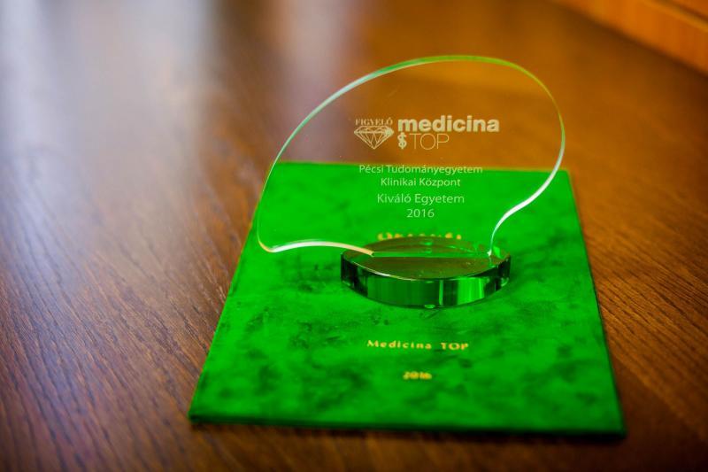 El Centro clínico de la Universidad de Pécs es premiado por su extraordinaria actuación