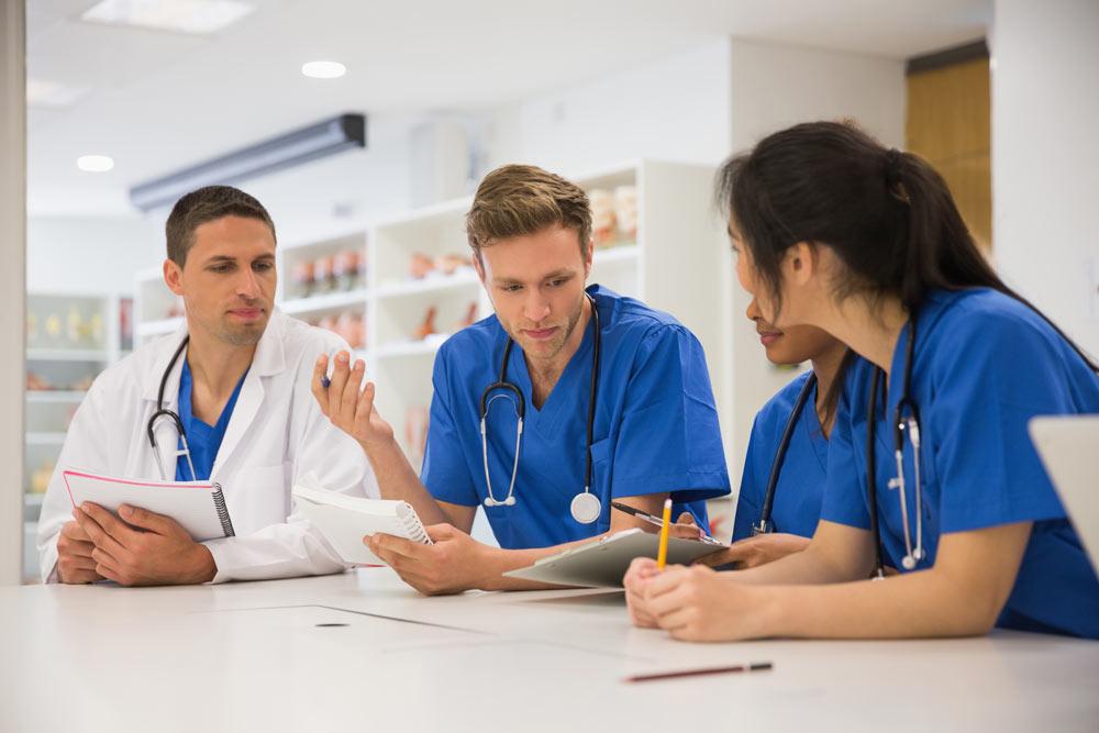 estudiar-medicina-universidad-semmelweis